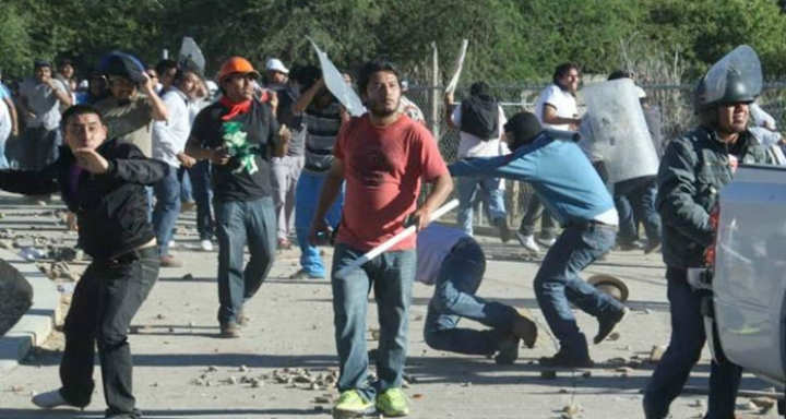 maestros oaxaca policia manifestacion